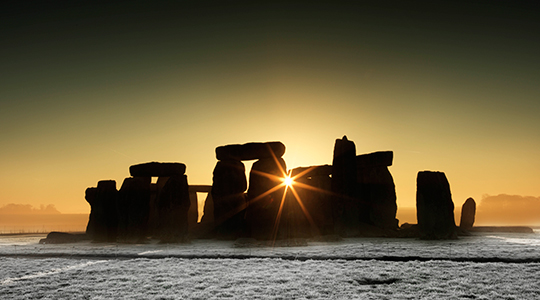frosty-sunrise-henge